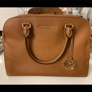 Michael khors purse
